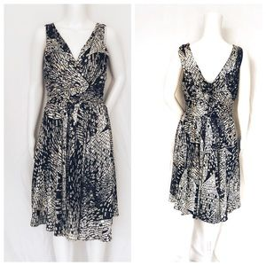 WHBM Fit & Flare Fully Lined Dress Sz 6